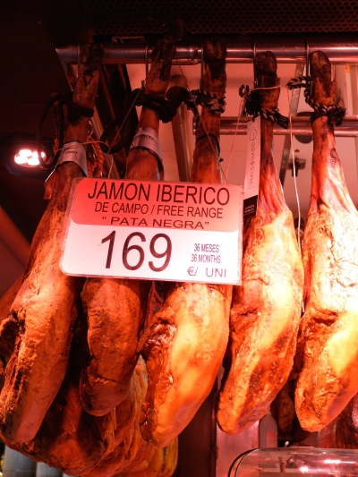 A perfect slice of Jamon - a piece of art!