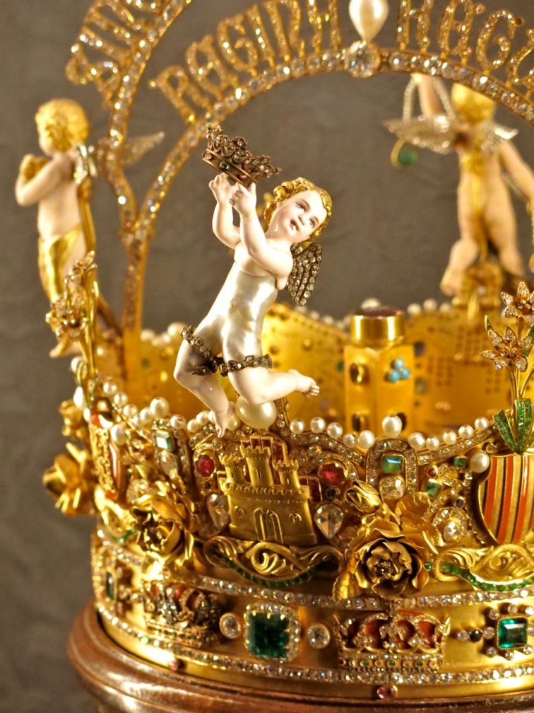close-up view of the crown